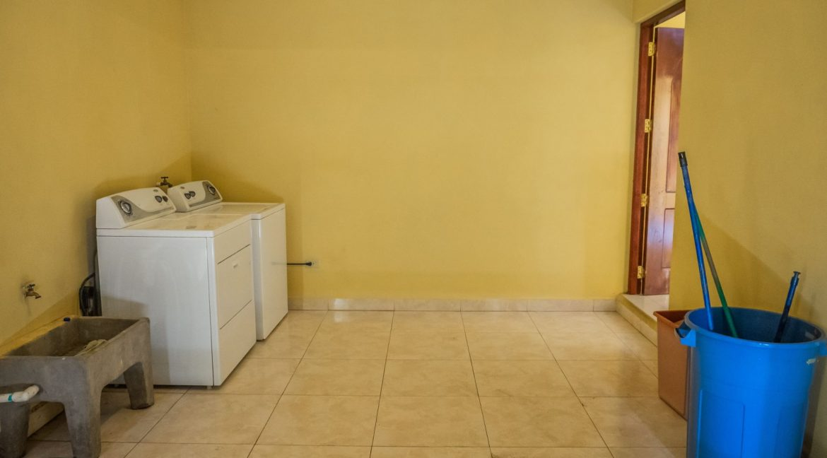2-Story-Centrally-Located-House-10-min