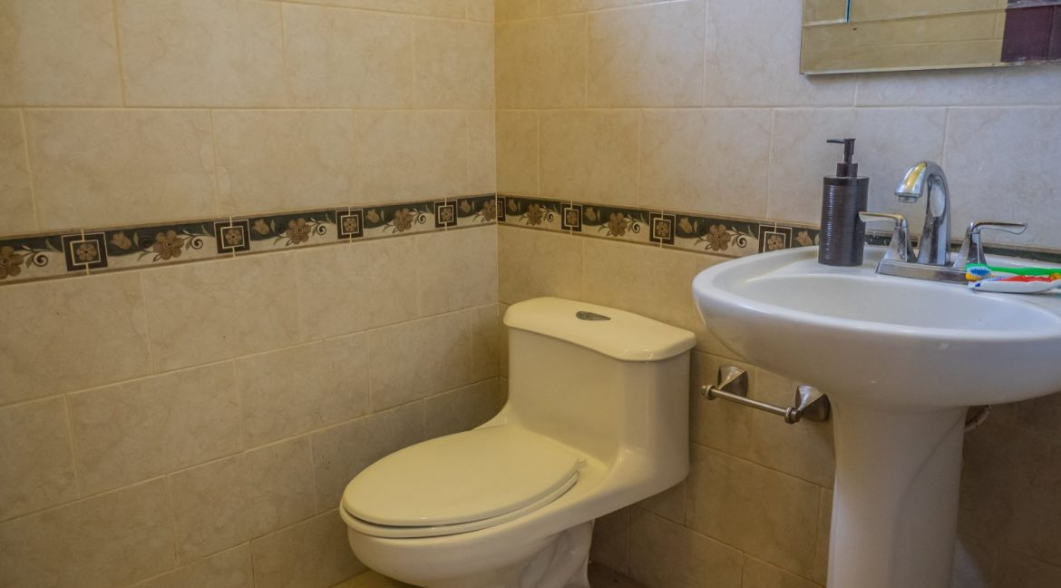 2-Story-Centrally-Located-House-11-min
