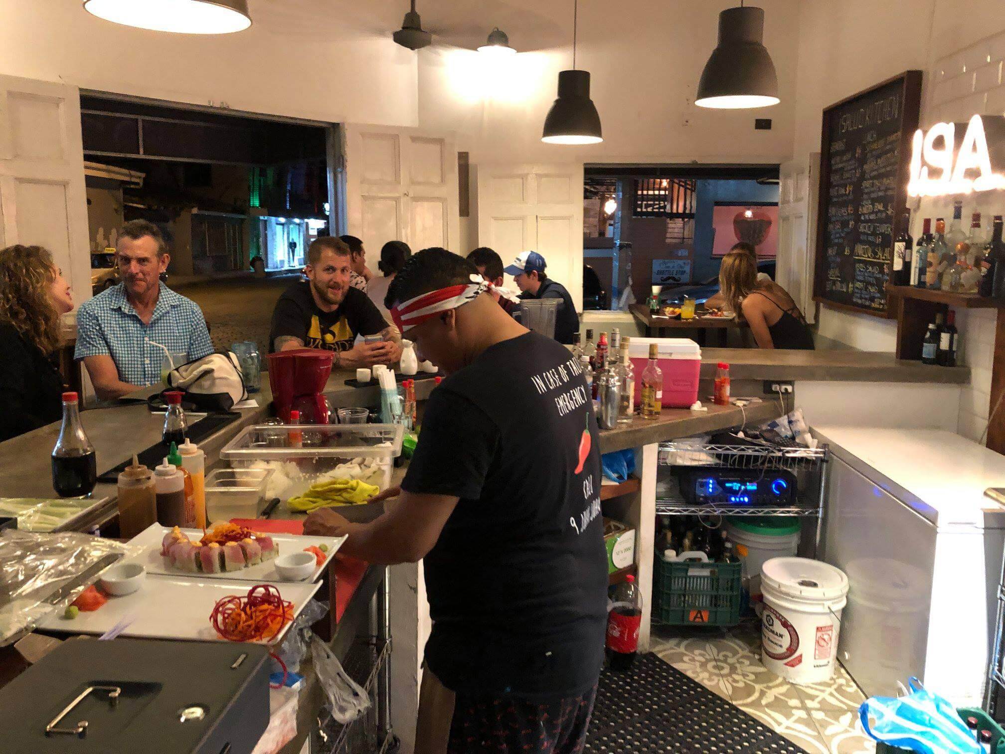 Salud Kitchen – great business opportunity in the best location in town!