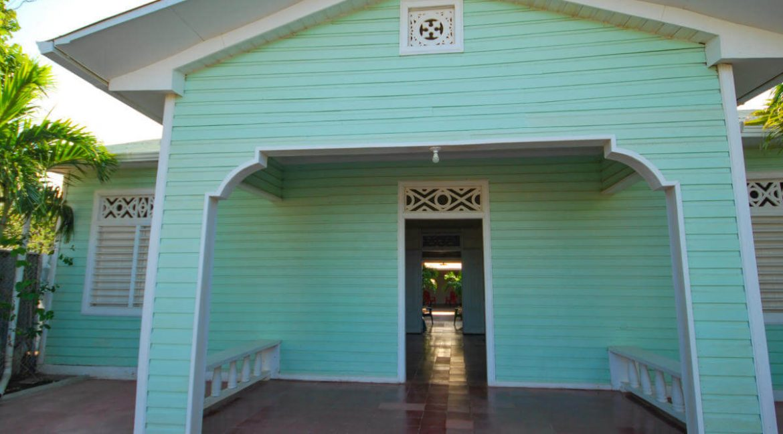 Beach-Road-Six-Bedroom-Property-7-1200x1000