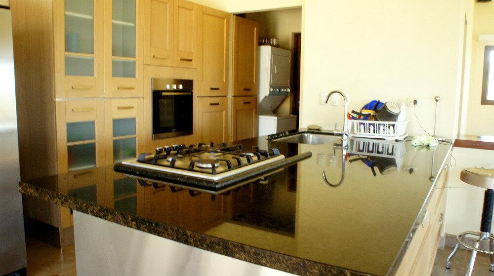 Holmann-House-Kitchen