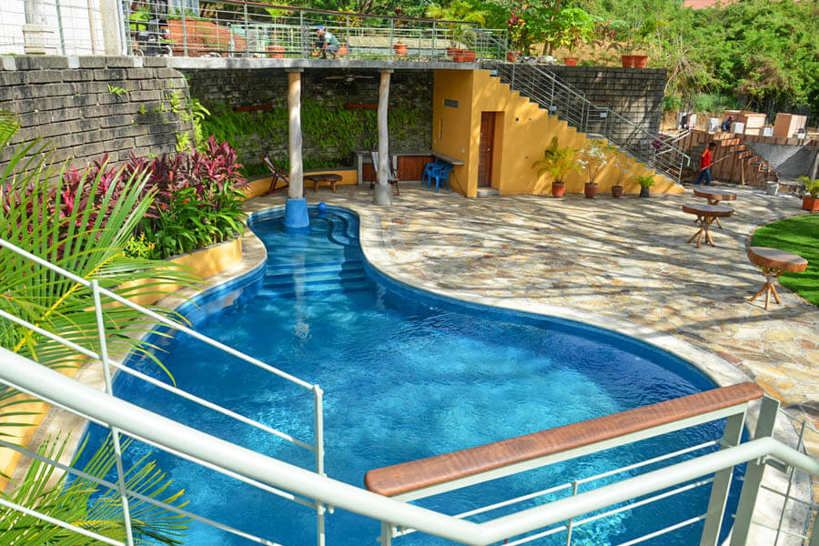 14_talanguera_townhomes_pool_grotto_east-1