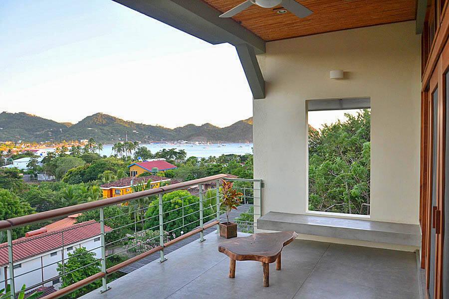 19_talanguera_townhomes_balcony_bay
