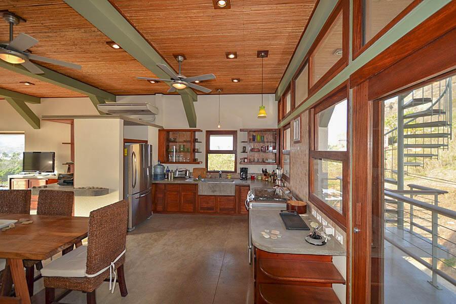 20_talanguera_townhomes_kitchen_west