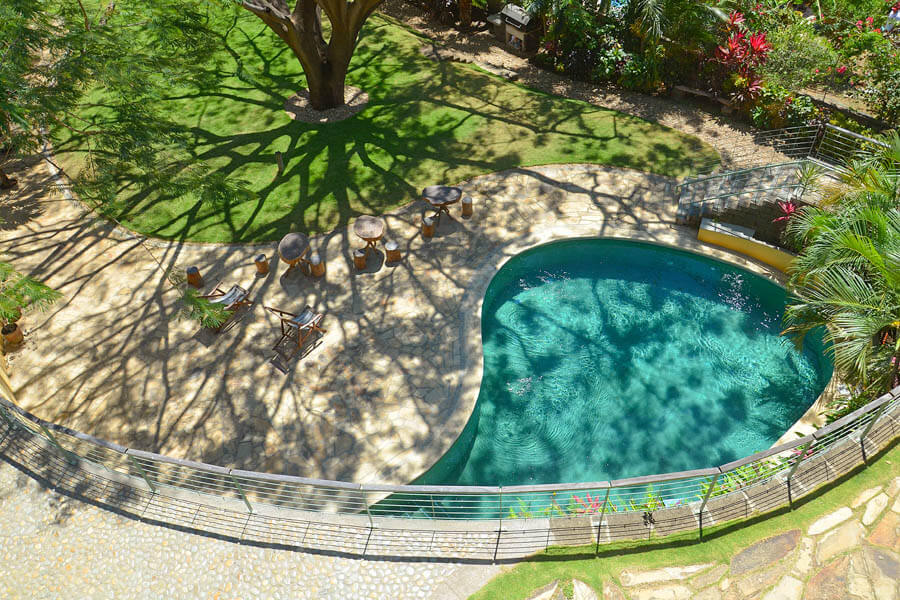 25_talanguera_townhomes_pool_terrace_tree_southwest_small-1
