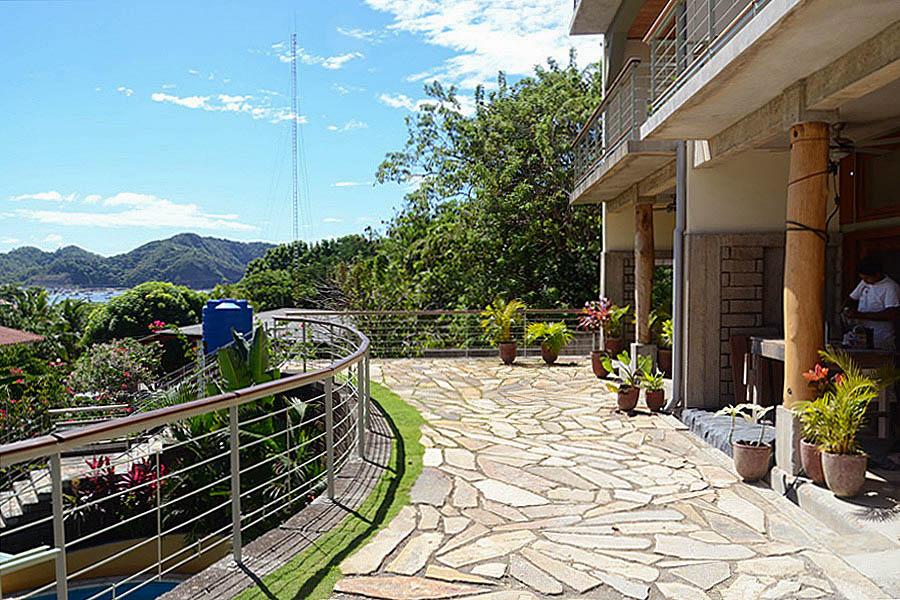 30_talanguera_townhomes_upper_terrace_building_harbor