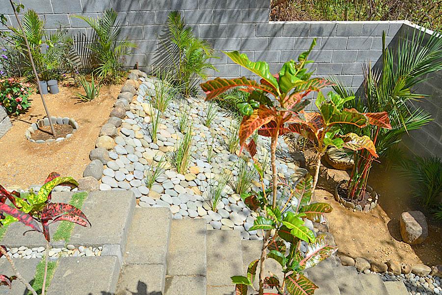 35_talanguera_townhomes_garden_three_hundred_pasillo_corner