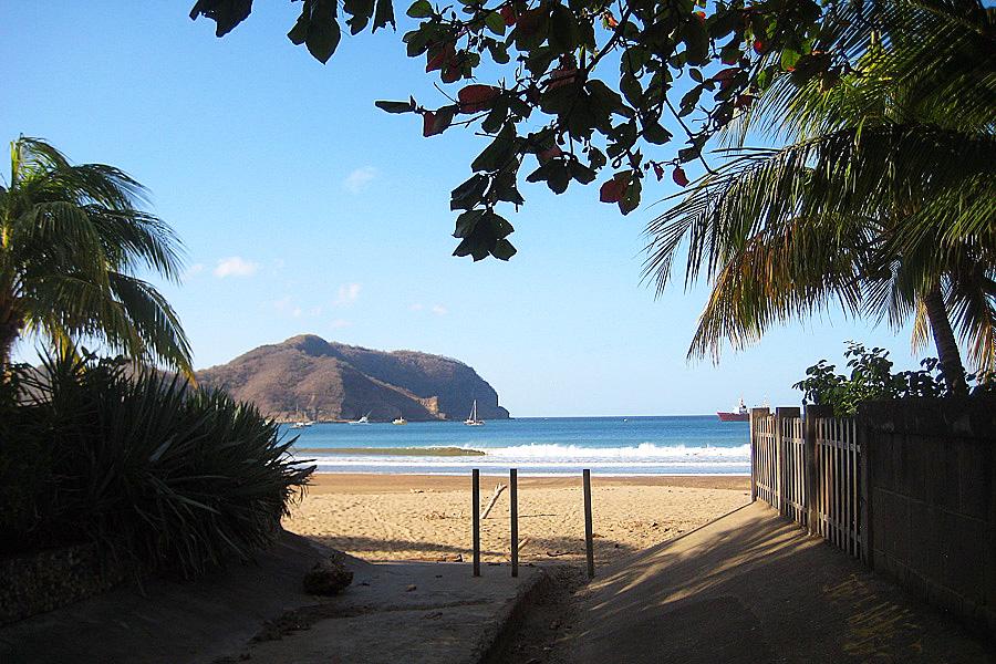 39_talanguera_townhomes_walking_beach_entry