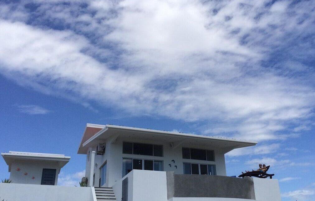 Cala-Bahia-Azul-outside-of-house