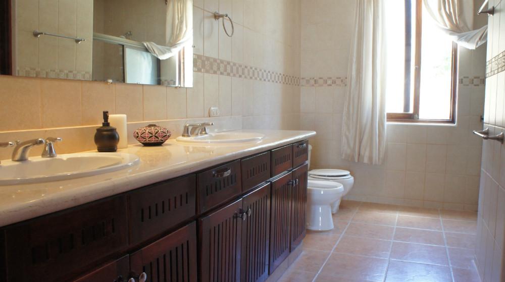 Villa-del-Mar-Bathroom-1