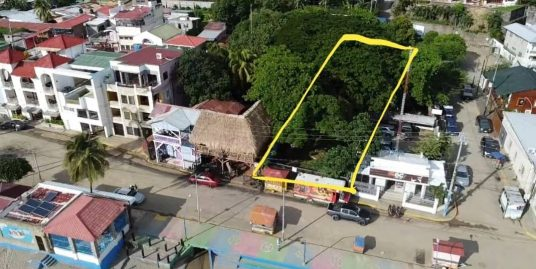 Beachfront town property – New Exclusive Listing